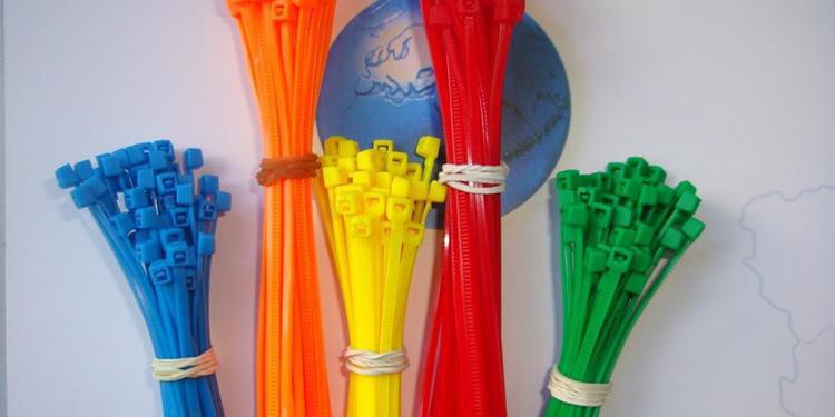 Plastic nylon 66 cable ties